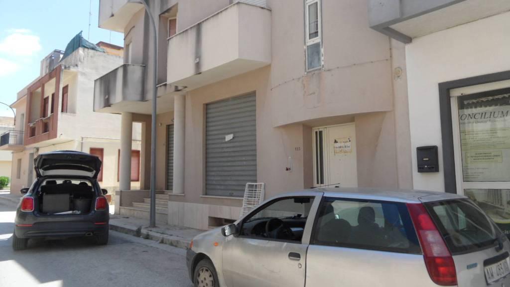 Appartamento in Affitto a Menfi: 140 mq