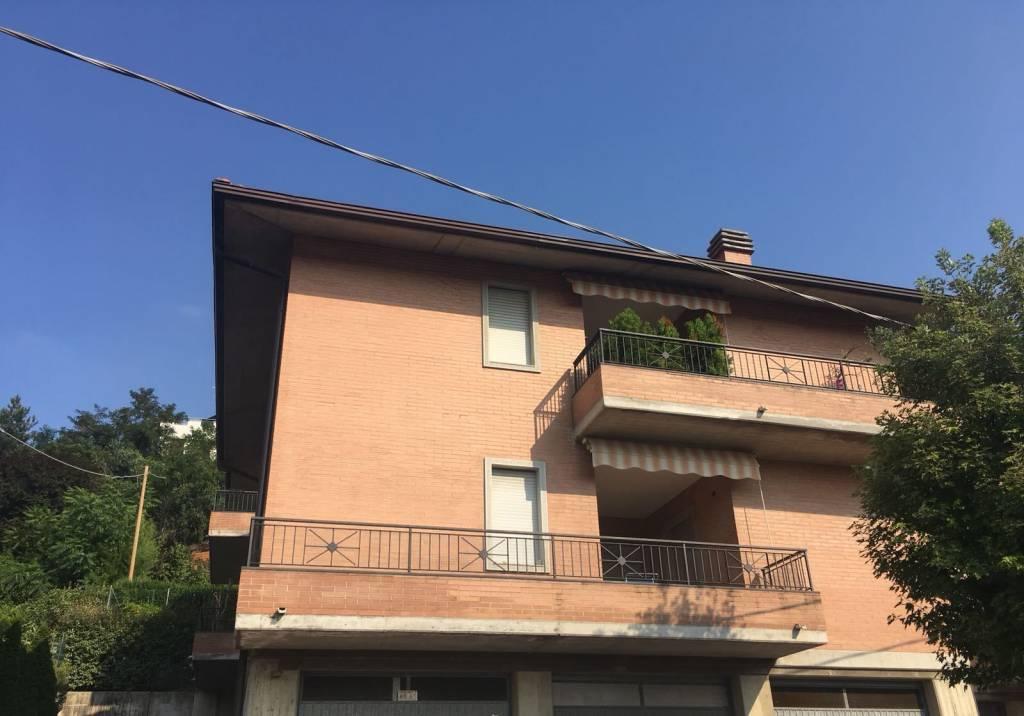 Appartamento in buone condizioni in vendita Rif. 7539821