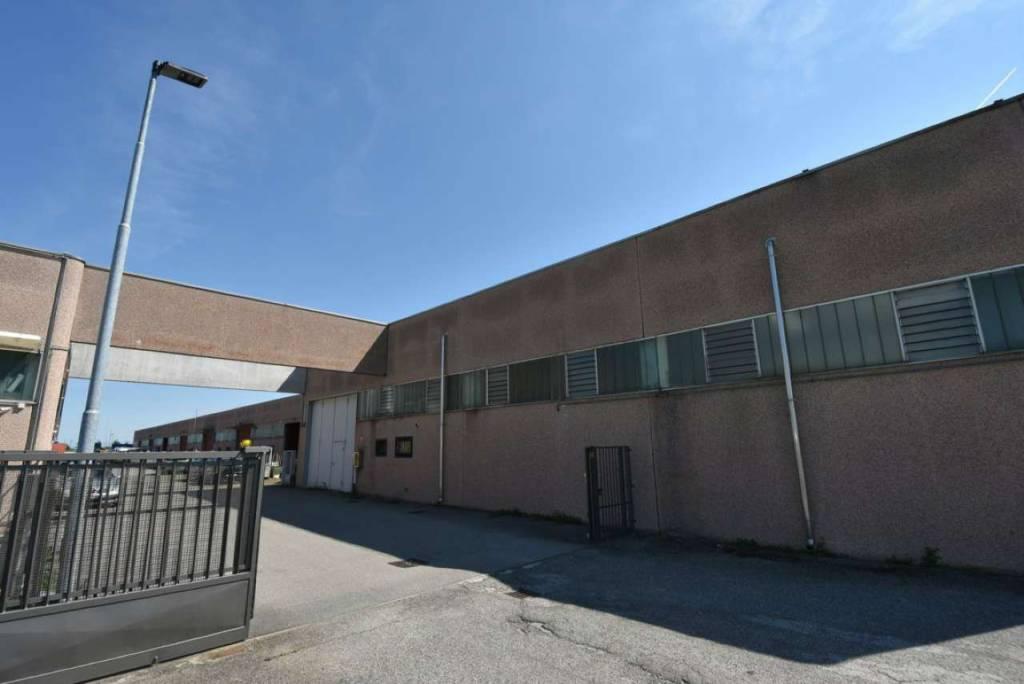 Capannone in affitto a Sordio, 1 locali, prezzo € 800 | PortaleAgenzieImmobiliari.it