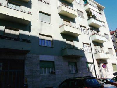 Foto 1 di Bilocale corso Piero Maroncelli, Torino (zona Valentino, Italia 61, Nizza Millefonti)