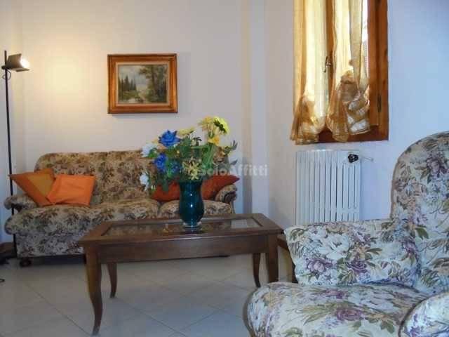 Appartamento in Affitto a Arezzo Centro: 3 locali, 80 mq
