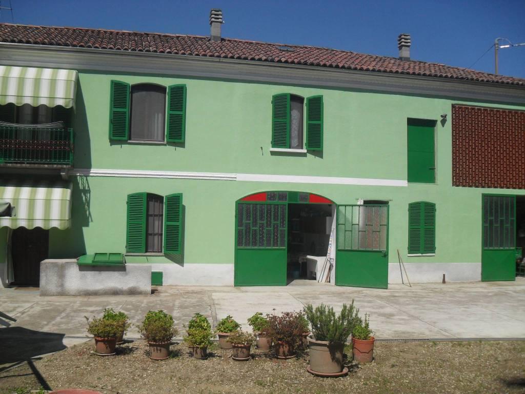 Rustico / Casale in vendita a Portacomaro, 5 locali, prezzo € 180.000 | PortaleAgenzieImmobiliari.it