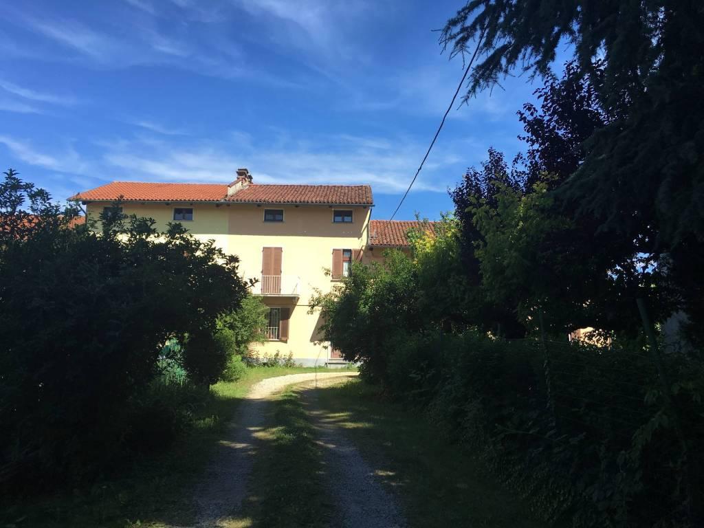 Rustico / Casale in affitto a Riva Presso Chieri, 4 locali, prezzo € 500   CambioCasa.it