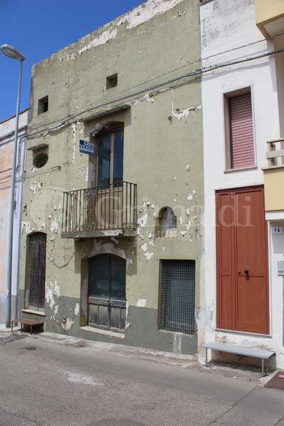 Casa indipendente in Vendita a Tuglie Centro:  4 locali, 94 mq  - Foto 1