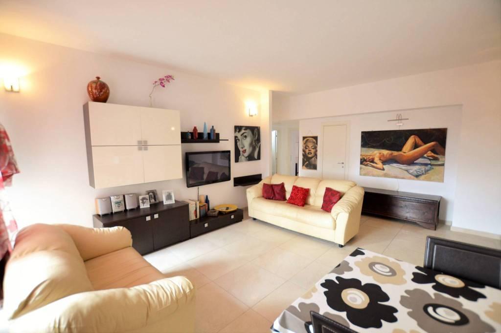 Appartamento in Affitto a Riccione Centro: 3 locali, 93 mq