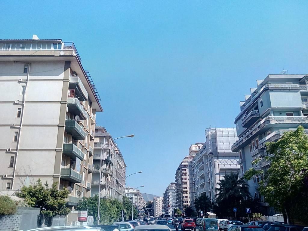 Appartamento in Affitto a Palermo Centro: 5 locali, 120 mq