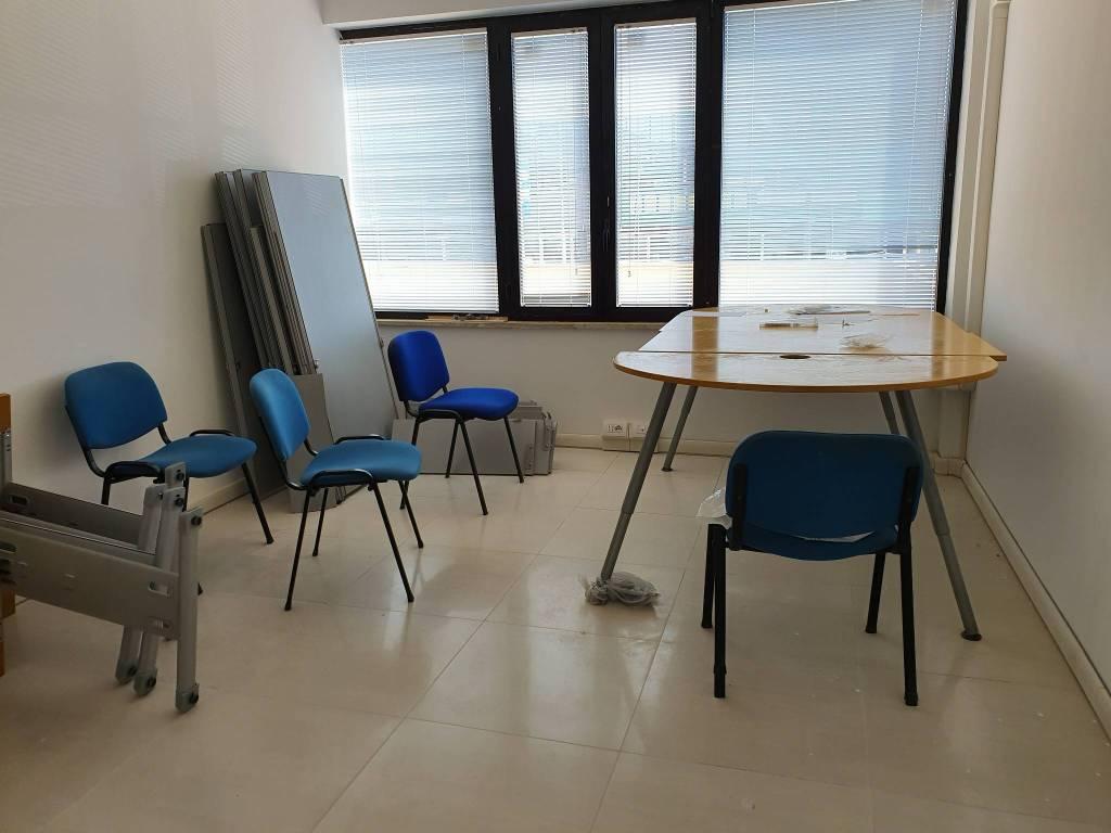Ufficio / Studio in affitto a Ariccia, 3 locali, Trattative riservate | CambioCasa.it