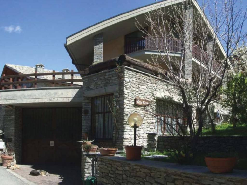 Villa in Vendita a Sauze d'Oulx