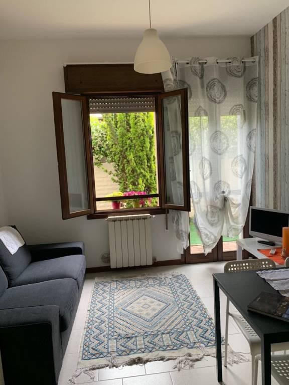 Appartamento in ottime condizioni arredato in affitto Rif. 8413747