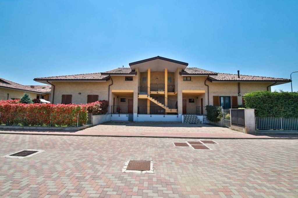 Foto 1 di Trilocale via San Rocco, San Benigno Canavese