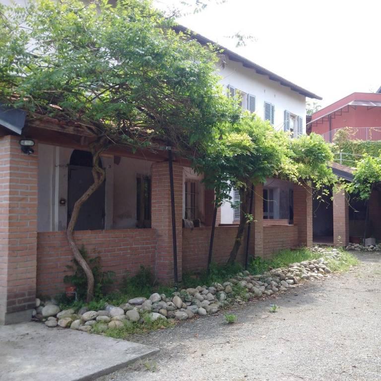 Rustico / Casale in vendita a La Morra, 10 locali, Trattative riservate | PortaleAgenzieImmobiliari.it