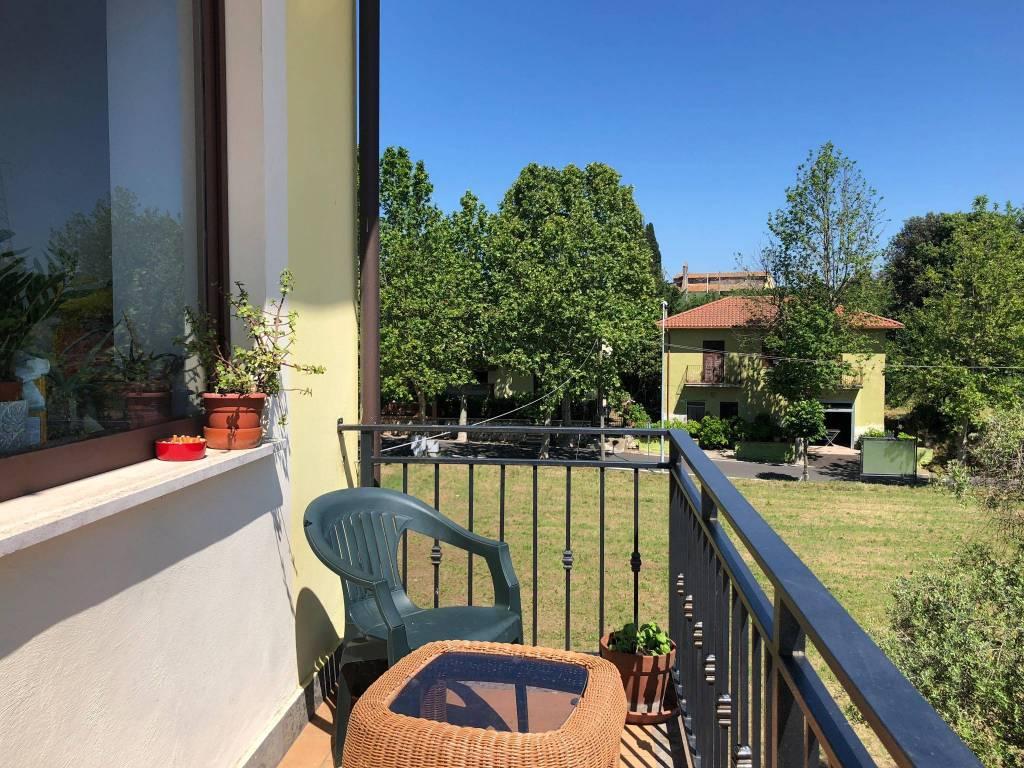 Appartamento in ottime condizioni in vendita Rif. 9259595