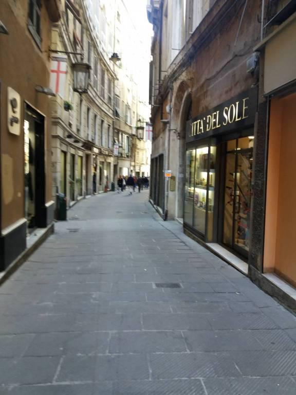 Foto 1 di Loft / Open space via Luccoli, Genova (zona Centro, Centro Storico)