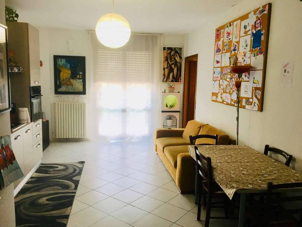 Appartamento in vendita a Beinasco, 3 locali, prezzo € 99.000 | CambioCasa.it