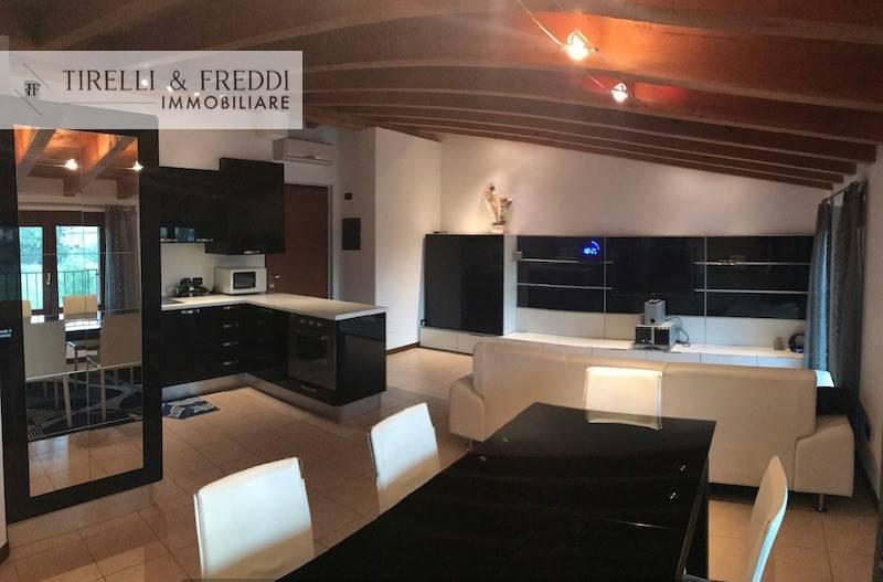Attico / Mansarda in Vendita a Rodengo-Saiano