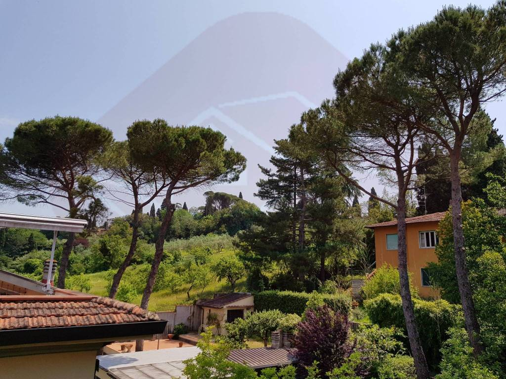 Foto 1 di Appartamento via dei Cappuccini, Firenze (zona Leopoldo, Rifredi)