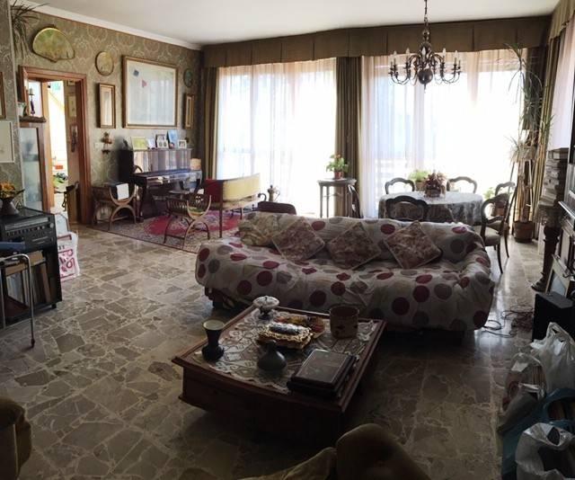 Foto 1 di Casa indipendente strada Provinciale di Lugnacco, Lugnacco