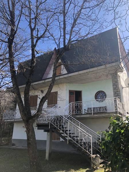 Foto 1 di Villa via Ronco la Croce, frazione Acquaria, Montecreto