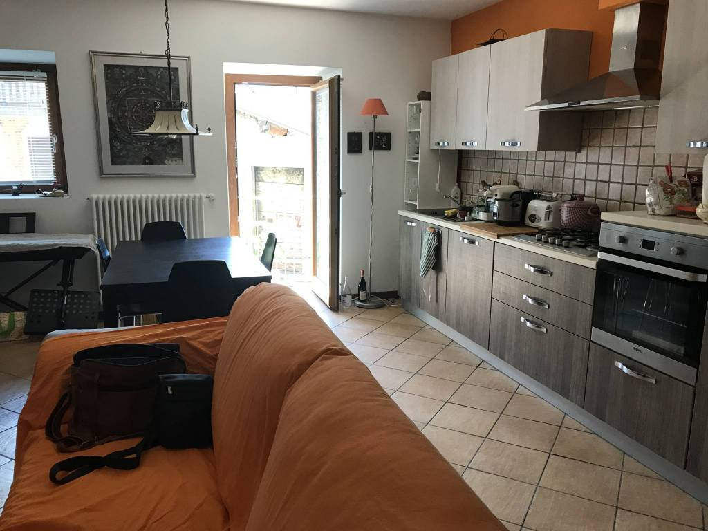 Appartamento in vendita a Dubino, 2 locali, prezzo € 67.000   CambioCasa.it