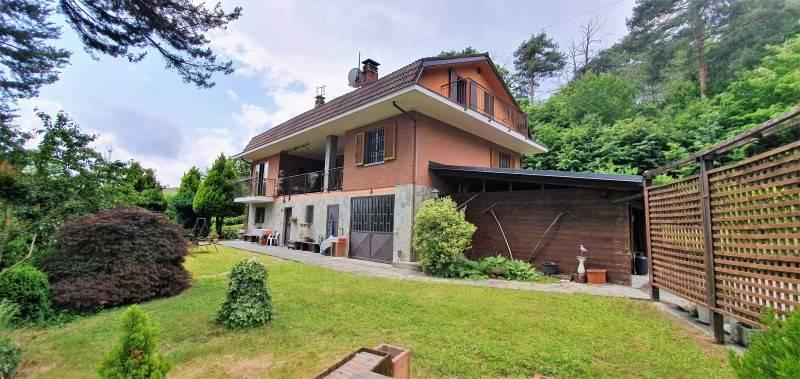Foto 1 di Villa via costa, Roletto