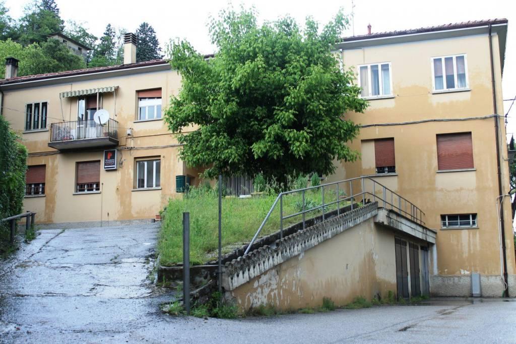 Foto 1 di Palazzo / Stabile via Michelangelo Buonarroti, Casalecchio Di Reno