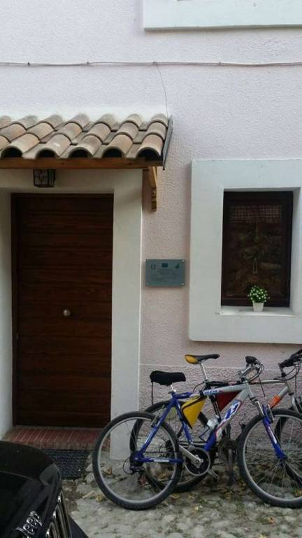 Appartamento in vendita a Ovindoli, 3 locali, prezzo € 98.000 | CambioCasa.it