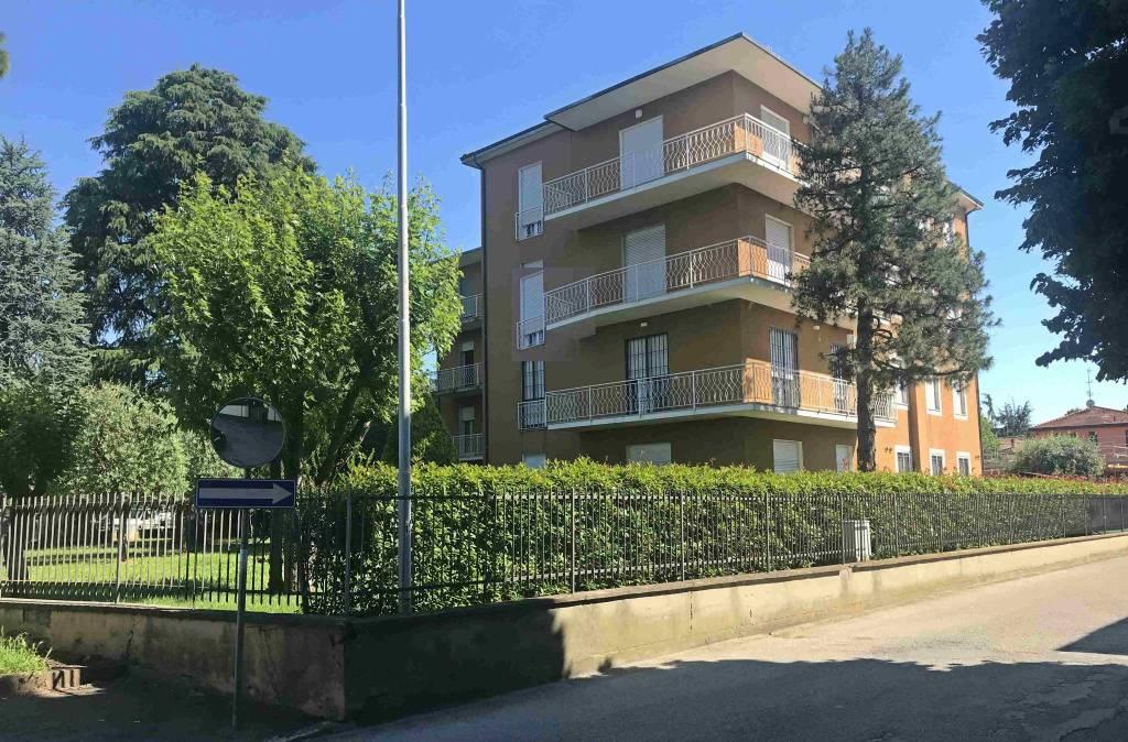 Appartamento in buone condizioni in vendita Rif. 9059441