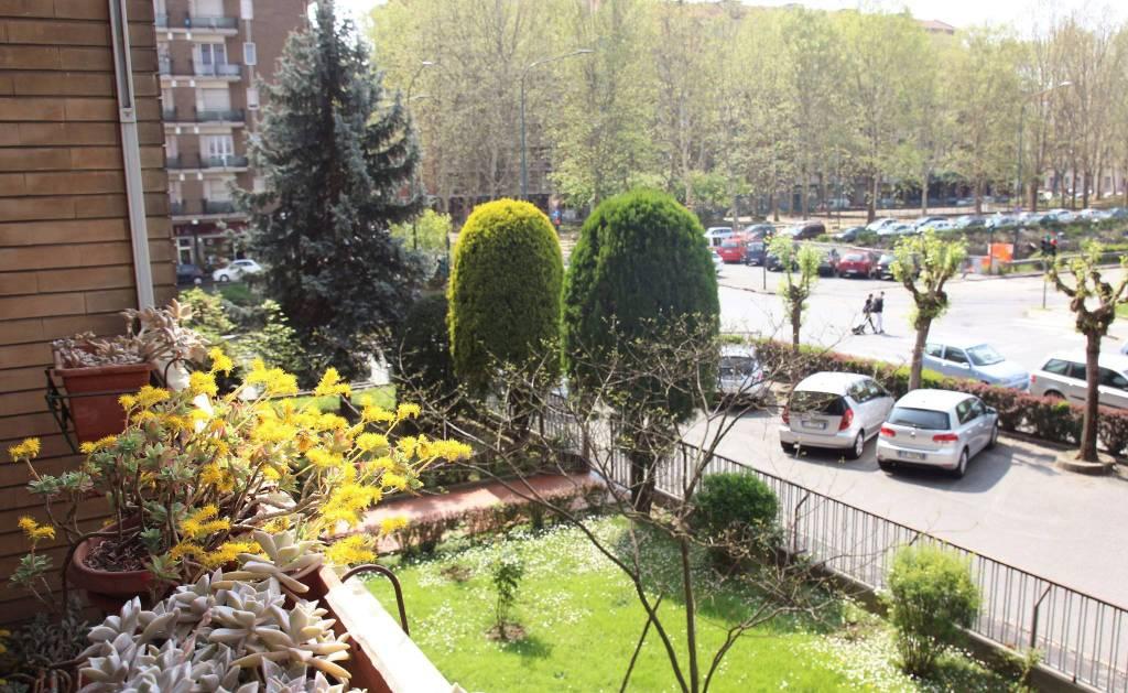 Foto 1 di Trilocale via Saverio Mercadante 92, Torino (zona Vanchiglia, Regio Parco)