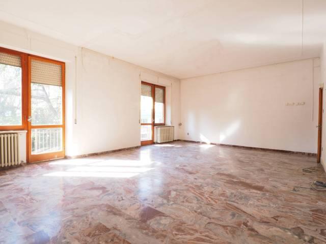 Appartamento in buone condizioni in vendita Rif. 4894616