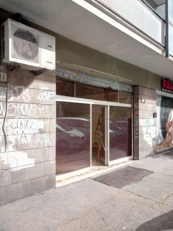 Negozio locale roma affitto 750 zona 12 cinecitt for Affitto roma locale