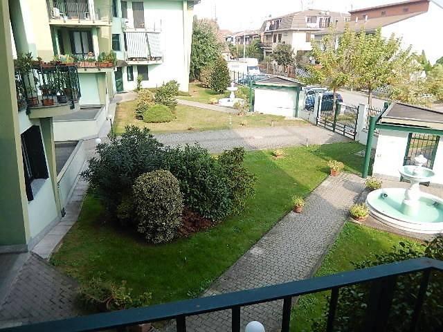 Appartamento in ottime condizioni in vendita Rif. 8296153