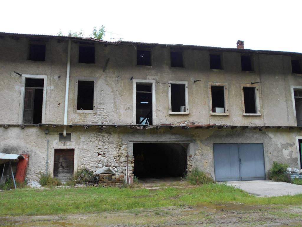 Foto casale/rustico in vendita a Mori (Trento)