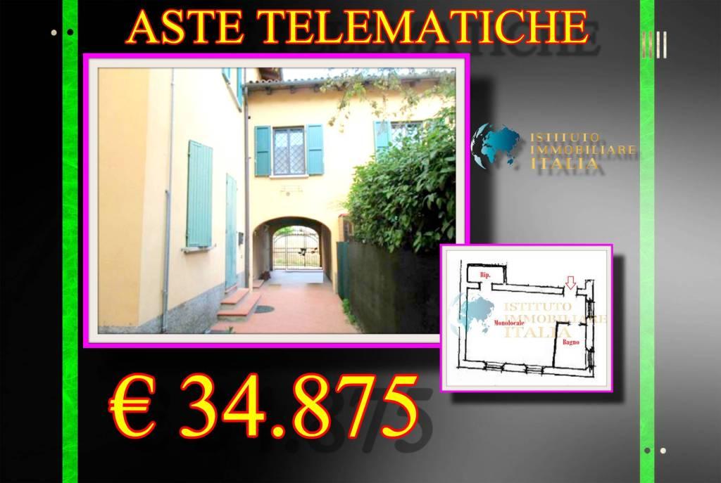Appartamento in buone condizioni in vendita Rif. 9097492