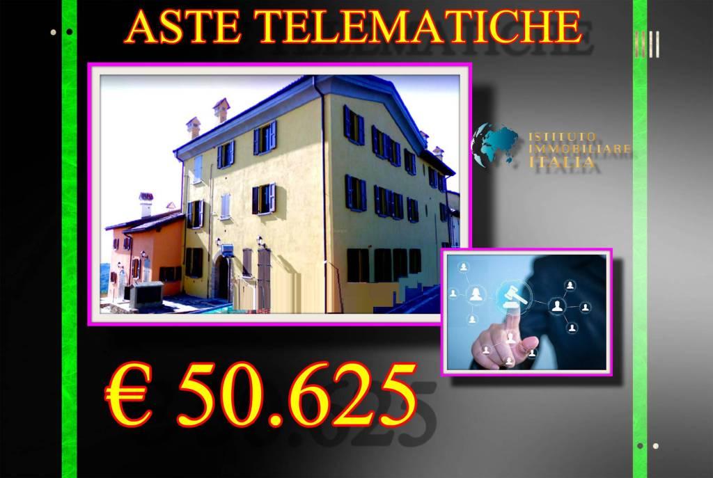 Appartamento in buone condizioni in vendita Rif. 9058834