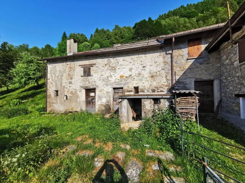 Rustico / Casale in vendita a Schignano, 2 locali, prezzo € 40.000 | PortaleAgenzieImmobiliari.it