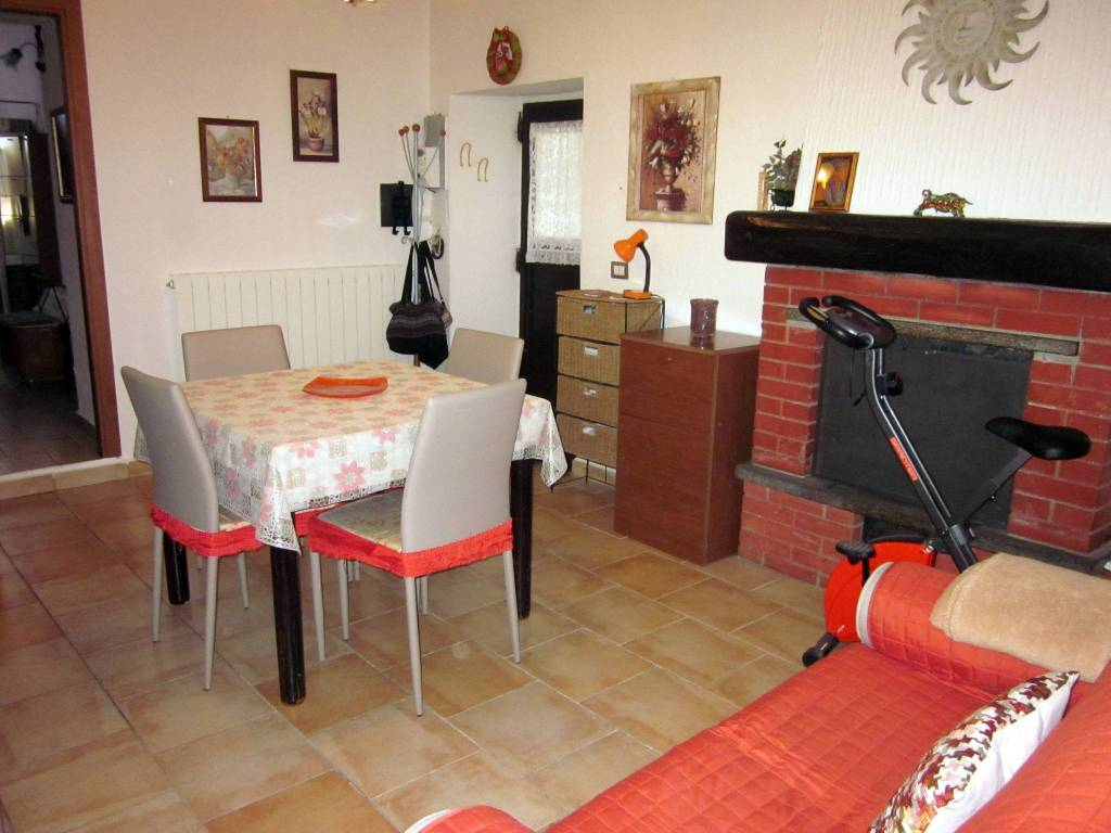 Appartamento in vendita a Cittiglio, 2 locali, prezzo € 69.000 | PortaleAgenzieImmobiliari.it