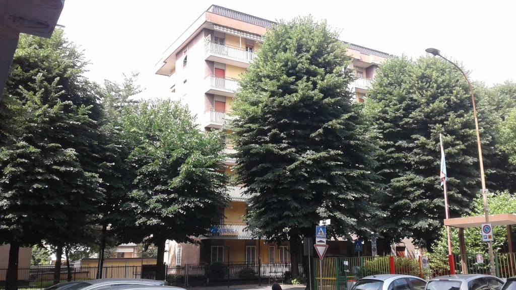 Foto 1 di Trilocale viale Italia, Lodi