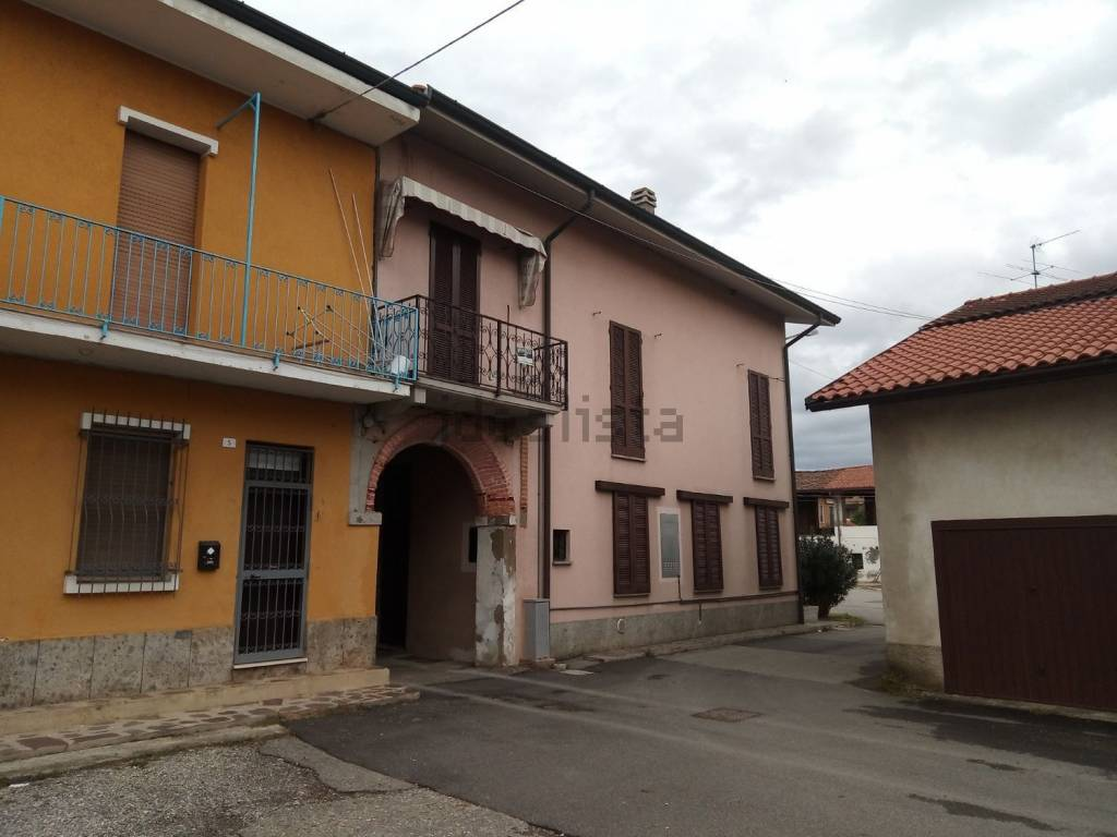 Appartamento in vendita via Fernando Magellano Cambiago