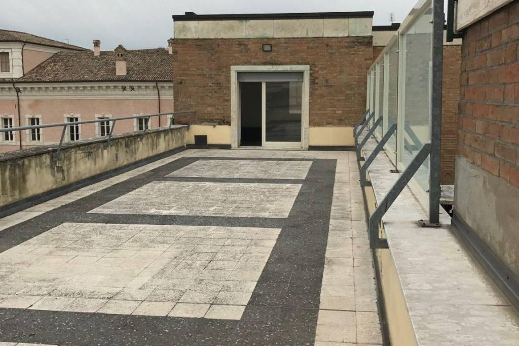 Attico in Vendita a Ravenna Centro: 4 locali, 128 mq