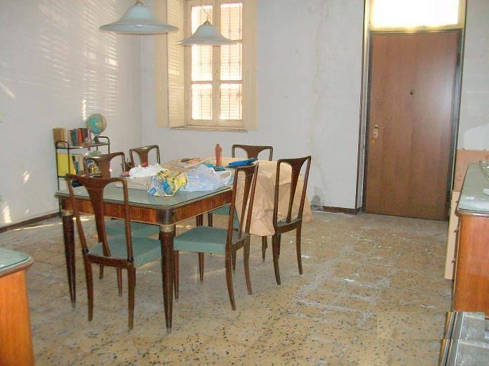 Villa in vendita a Corana, 9 locali, prezzo € 50.000 | PortaleAgenzieImmobiliari.it