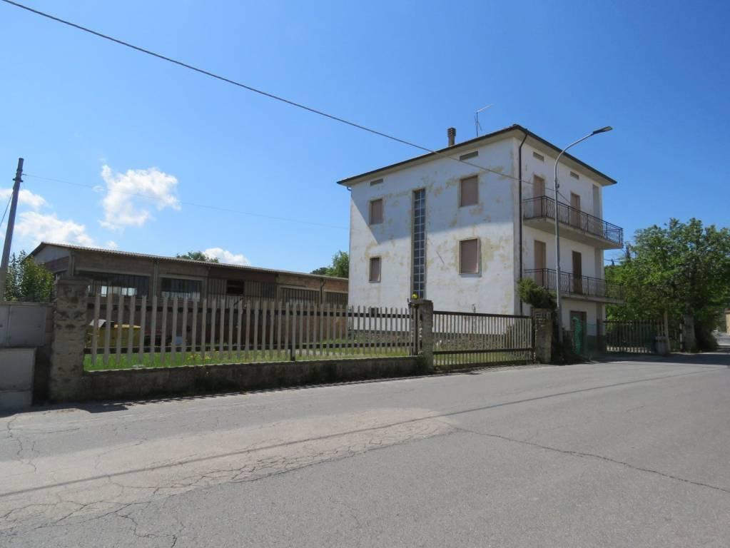 Foto 1 di Palazzo / Stabile Case Sparse Pietraia 13, frazione Pietraia, Cortona