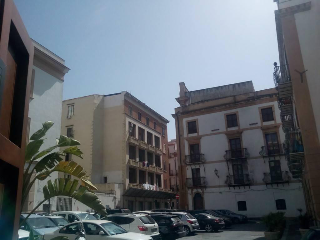 Negozio-locale in Affitto a Palermo Centro: 1 locali, 25 mq