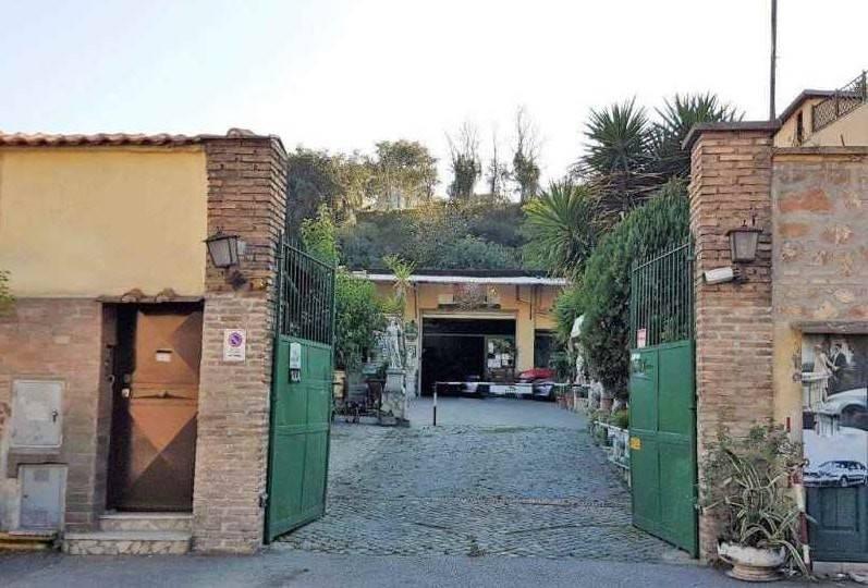 Laboratorio in vendita a Roma, 5 locali, zona Zona: 8 . Tiburtina, Colli Aniene, Pietrasanta, San Basilio, prezzo € 990.000 | CambioCasa.it