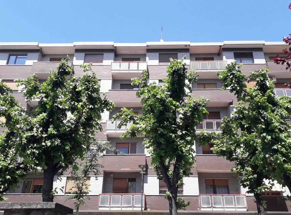 Appartamento in ottime condizioni in vendita Rif. 9242697