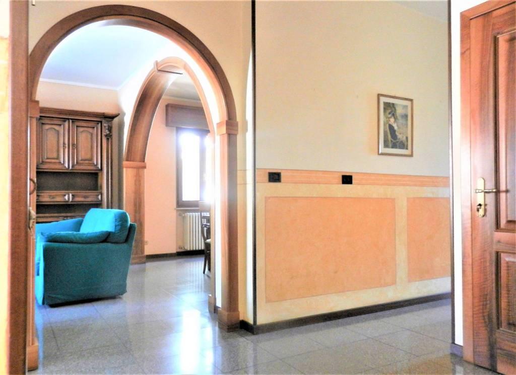 Appartamento in vendita a Travagliato, 4 locali, prezzo € 120.000 | PortaleAgenzieImmobiliari.it