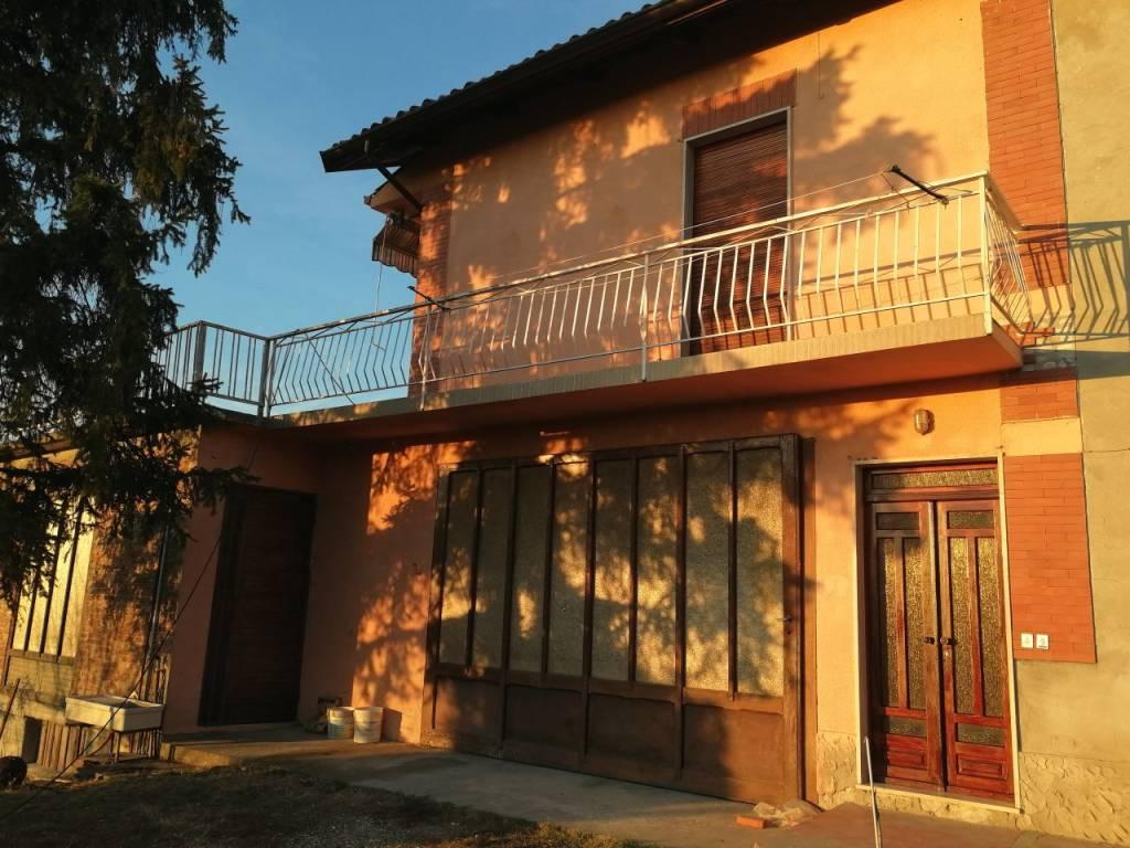 Appartamento in vendita a Cocconato, 4 locali, prezzo € 75.000 | PortaleAgenzieImmobiliari.it