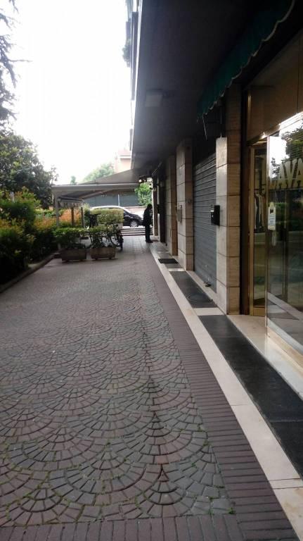 Negozio-locale in Vendita a Bologna Periferia Ovest: 2 locali, 55 mq
