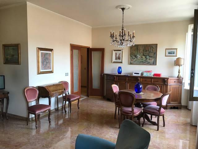 Foto 1 di Appartamento via George Byron, Ferrara