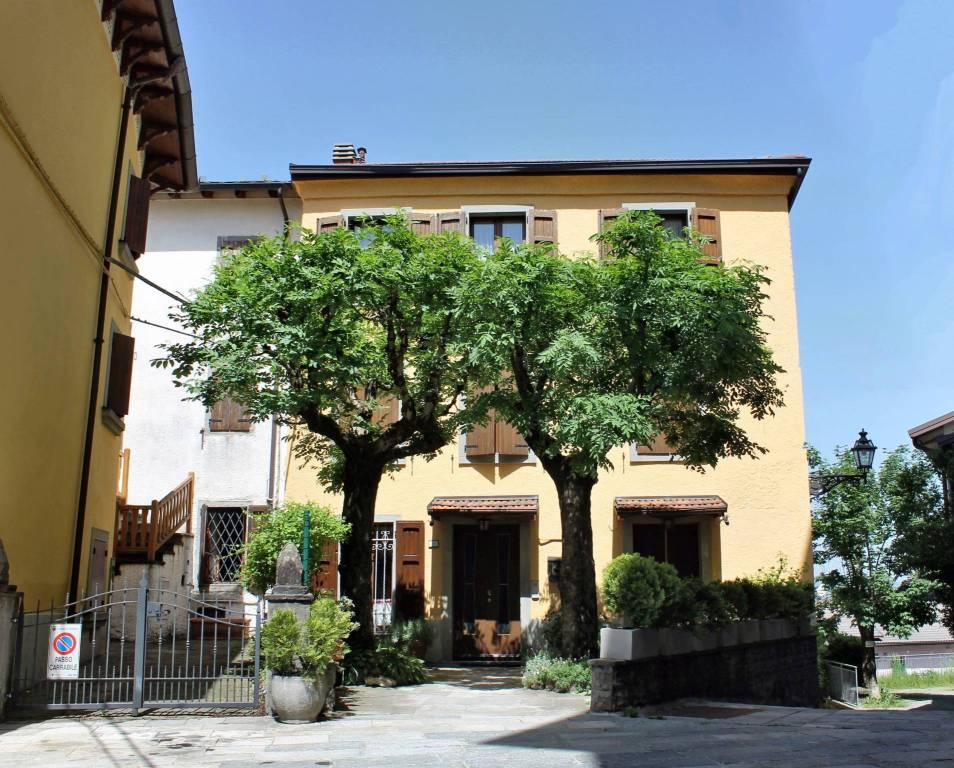 Foto 1 di Appartamento via Caserma 5, Sestola