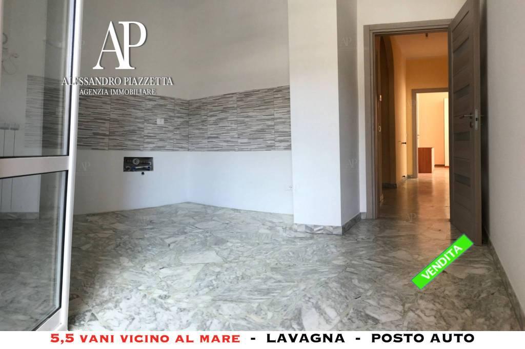 Foto 1 di Appartamento via Aurelia 905, Lavagna